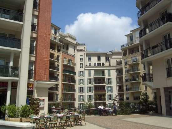 Location appartement louer courbevoie courbevoie 92400 for Appartement atypique hauts de seine